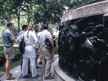 Seminar Bronze tour in Union Square, flagpole